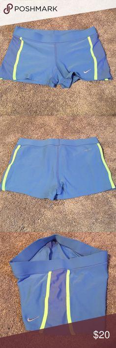Nike Women's Tempo Boy Short Super Comfy Spandex. Worn one but too big. No trades Nike Shorts