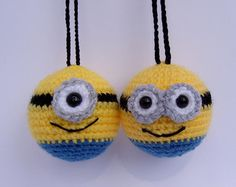 minion bauble crochet decorations by pamcrafteduk on Etsy Christmas Tree Ideas – handmade crochet hanging decorations based on my favourite minion characters! Tongue smiley from the set of the icons of Whatsapp by SilayayaColors - Salvabrani - Salvabra Crochet Ornaments, Crochet Crafts, Crochet Toys, Crochet Projects, Free Crochet, Knit Crochet, Amigurumi Patterns, Crochet Patterns, Crochet Ideas