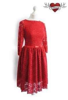 Rotes Spitzenkleid mit 3/4 Ärmel // red lace dress by Rossknecht-Modedesign via dawanda.com