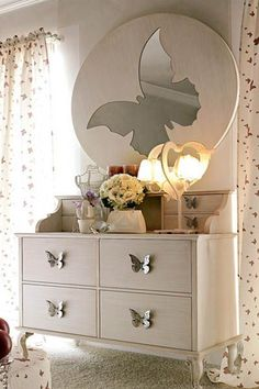Butterfly mirror for girls bedroom decorating: Decorating With Mirrors: Home Decorating Ideas My New Room, My Room, Girl Room, Bedroom Themes, Bedroom Decor, Butterfly Bedroom, Butterfly Theme Room, Romantic Room, Butterfly Decorations
