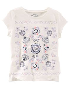 With a splash of sparkle and symmetry, this soft tee sits just right over skinny fit jeans.<br>