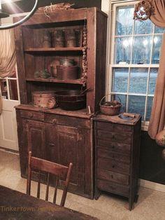 Very nice primitive cupboard. Primitive Cabinets, Primitive Kitchen, Primitive Furniture, Primitive Antiques, Country Furniture, Country Primitive, Antique Furniture, Primitive Decor, Farmhouse Furniture