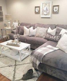 Beautiful Living Room Décor Ideas On A Budget 29 #interiordecoronabudgetbeautifulhomes