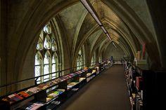 Church Library in Nederland