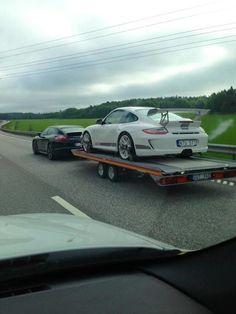 This just feels right. A Porsche Panamera towing a 911 Porsche Models, Porsche Cars, Porsche Carrera, Porsche Panamera, Jdm, Sports Sedan, Car Car, Fast Cars, Sport Cars