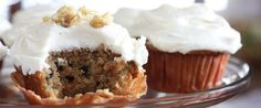These Amish Friendship Bread cupcakes use chunky applesauce and spicy nutmeg and cloves for a delicious carrot cake variation.