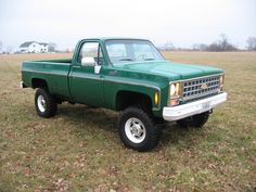 """1980 Chevy K30 with 4"""" all spring Skyjacker lift on 33's"""