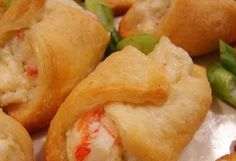 Want to learn how to make Crab and Cream Cheese Snacks? Get the best easy recipes for Crab and Cream Cheese Snacks from Calorie Count. These Crab and Cream Cheese Crescents combine a creamy crab filling Cream Cheese Crescent Rolls, Crescent Roll Dough, Fun Easy Recipes, Easy Meals, Cream Cheese Snacks, Pineapple Upside Down Cupcakes, Chocolate Eclair Cake, Extra Recipe, Skinny Recipes