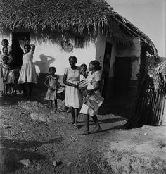 Museu Afrodigital da UFMA - Maranhão (1948) - Caixeiras do Divino na periferia de São Luís
