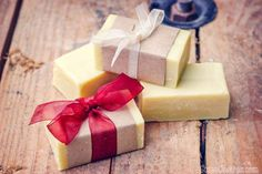 Making soap isn& difficult. This easy, basic beginner soap recipe comes with fun ideas for personalizing it by adding exfoliants, essential oils, etc. Soap Making Kits, Soap Making Recipes, Soap Making Supplies, Homemade Soap Recipes, Bombe Recipe, Bath Bomb Recipes, Essential Oils Soap, Organic Soap, Soap Molds