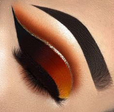 49 Fabulous Eyeliner Makeup Ideas For Women - Trendfashionist Makeup Eye Looks, Eye Makeup Art, Beautiful Eye Makeup, Cute Makeup, Glam Makeup, Pretty Makeup, Skin Makeup, Makeup Inspo, Eyeshadow Makeup