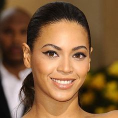 beyonce natural look | Beyonce has oval eyes. (image: glamour.com)