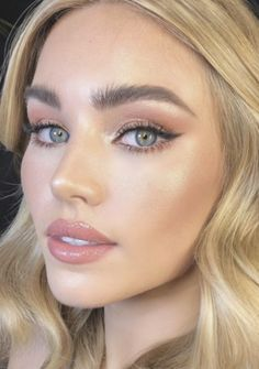 pinterest  kyliieee   sunkissed green eyes makeup ideas for summer   natural bronzed makeup ideas    Bronzed  eyes  Green  Ideas  kyliieee  Makeup  makeupideasnaturalgreeneyes  natural  pinterest  Summer  sunkissed