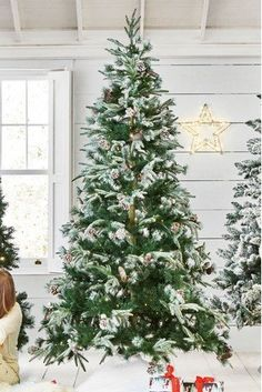 It's not too early to start prepping up for the festivities. Looking for the perfect Christmas tree - our 250 LED Vermont snowy 6ft tree is simply irresistible.