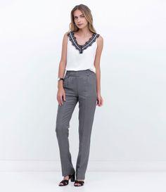 Calça feminina    Modelo reta    Estampada    Marca: Cortelle    Tecido: linho    Composição: 55% linho e 45% viscose    Modelo veste tamanho: 36               Medidas da modelo:         Altura: 1,75    Busto: 81    Cintura: 64    Quadril: 91                 COLEÇÃO INVERNO 2016             Veja outras opções de    calças femininas.