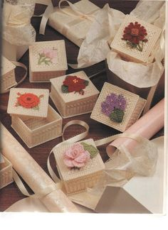 PLASTICS CANVAS GIFTS GALORE BOOK 4 - sonia escaurido - Picasa Web Albums
