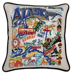Beautifully #handembroidered #StatePillows by #Catstudio to #decorate your room.