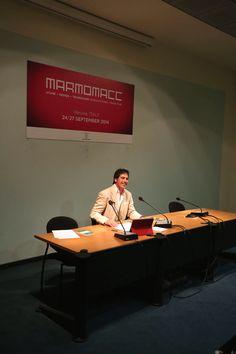 Un Giancarlo Fornei sorridente in conferenza stampa a Verona, alla presentazione del blog Culturadelmarmo.it - Marmomacc 2014