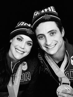 Tessa Virtue and Scott Moir Virtue And Moir, Tessa Virtue Scott Moir, Tessa And Scott, Dark Men, Baby Poses, Figure Skating, Ice Skating, Artistic Photography, Food Photography