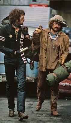 Peter Fonda and Dennis Hopper in Easy Rider Dennis Hopper Easy Rider, Peter Fonda Easy Rider, Motos Retro, Biker Movies, Films Cinema, Bike Photography, Harley Bikes, Cultura Pop, Film Stills