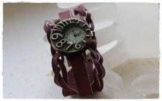 Bracelet Manchette en cuir tressé avec horloge par KhoutureFactory
