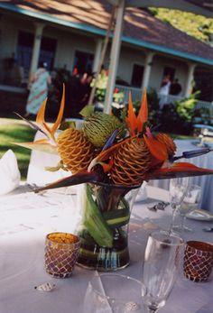 Maui florist: Blue Sky Weddings, not sure about the pinecones?? but it's interesting.