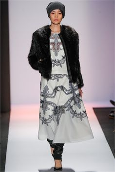 BCBG MAX AZRIA  http://www.staging.glamour.it/sfilate/sfilata/collezioni-autunno-inverno-2013-14/bcbg-max-azria/2#518855