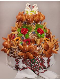 "Коровай ""Хлібний"" №003 - купити у Хмельницькому ТМ Перша кондитерська Bread Art, Cute Desserts, Food Words, No Bake Treats, Artisan Bread, Culinary Arts, Cake Cookies, Food Art, Sweet Recipes"