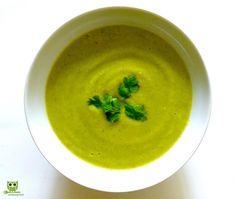 Sweet Brocco Soup Try this unique combination of Sweet potato and Broccoli! Perfect after a great workout! Packed with Vitamin C and calcium, broccoli is beneficial for bone health and prevention of osteoporosis. It is high in fibre which helps in lowering cholesterol. This low carb vegetable aids in fat loss. Read Recipe:  https://www.facebook.com/whatsmymeal/posts/361649114005459 #health #nutrition #fresh #homemade #fatloss #weightloss #anticancer #vegetarian #w