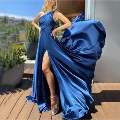 Split Prom Dresses, Prom Dresses Blue, Homecoming Dresses, Sexy Dresses, Evening Dresses, Fall Dresses, Formal Dresses, Jupe Swing, Swing Skirt