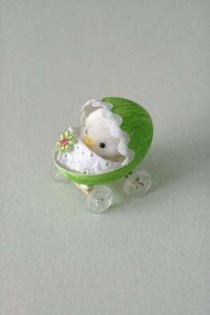 DIY Baby chicken in a pram easter egg