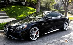 Mercedes-Benz AMG Coupe with staggered 22 - Auto Data Bmw Classic Cars, Classic Mercedes, Mini Cooper S, Mercedes Benz Convertible, Mercedes Benz Coupe, S500 Mercedes, Merc Benz, Benz S Class, Top Cars