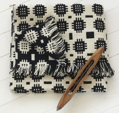 We've partnered with artisan maker Blodwen to bring you one of our favourite textiles - the striking black and white Cegin floor rug. Available for ONE DAY ONLY at a one-off discounted price that we guarantee you won't find anywhere else! Welsh Blanket, Wool Blanket, Weaving Patterns, Textile Patterns, Weaving Textiles, Impression Textile, Art Textile, Quilting Projects, Floor Rugs