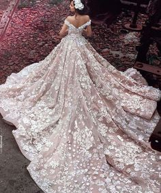 Cheap wedding dresses royal, Buy Quality gowns bridal directly from China luxury lace wedding dresses Suppliers: Champagne Flowers Luxury Lace Wedding Dresses Royal Trian 2017 Robe De Mariage Off Shoulder Ball Gowns Bridal Vestidos Dream Wedding Dresses, Bridal Dresses, Wedding Gowns, Lace Wedding, Modest Wedding, Wedding Venues, Bridesmaid Dresses, Wedding Bride, Dubai Wedding Dress