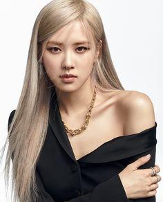 Foto Rose, Black Pink ジス, Tiffany & Co., Rose Icon, Kim Jisoo, Blackpink Photos, Pictures, Blackpink Fashion, Jennie Blackpink