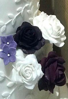 Vintage Cupcake, Purple Roses, Flowers, Plants, Purple Rose, Plant, Royal Icing Flowers, Flower, Florals