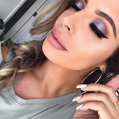 LOVING this glitter-eye look! ✨ testing the new MAKEUP - glitter palette on the eyes 👀 Laura Lee, Too Faced Cosmetics, Makeup Looks, Eye Makeup, Make Up, Hoop Earrings, Photo And Video, Palette, Glitter Eye