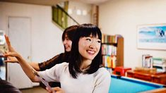 Netflix wants to help you start your 2019 organized with Tidying Up With Marie Kondo. In the eight-part home makeover series, Kondo's KonMari Method will have you feeling inspired to tidy your own home. So Bustle spoke to the owner of Joyful Tidying… New Netflix, Shows On Netflix, Folding Socks, Konmari Methode, Miguel Bose, Interview, How To Cut Your Own Hair, Sparks Joy, Marie Kondo