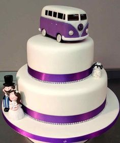VW Campervan Wedding Cake ... This is so great for the couple who camps!