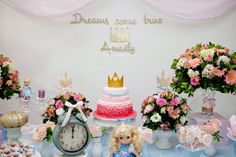 Adriana Gaspar e Marcela Castro Girl Birthday, Birthday Parties, Table Decorations, Party, Cinderella Princess, Girls, Candy Jars, Fairy Godmother, Candy Table