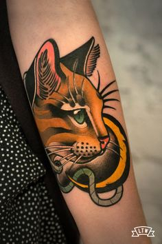 Nontraditional Cat Tattoo style by Leah Cat Eye Tattoos, Black Cat Tattoos, Geek Tattoos, Sleeve Tattoos, Traditional Tattoo Cat, Tattoo Gato, Mama Tattoo, Animal Tattoos For Men, Kawaii Tattoo