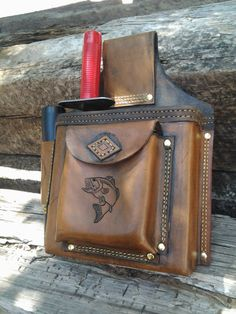 Lesche and garret combo sheath with finds pouch.