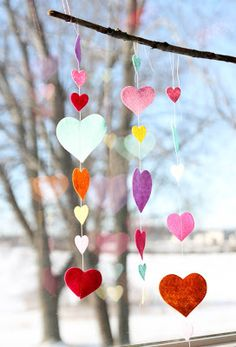 Fridays at the Farm: Valentine's Day Kid Crafts Real Milwaukee! Mother/Daughter Valentine craft session....8 crafts in all!
