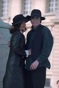 Michael Jackson & Lisa in Paris France 1994 ~ MJLyrics