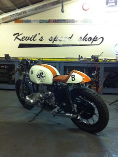 Cafe Racer, custom and classic motorcycles. Featuring the world's best builders of custom motorcycles and Cafe Racers since 2006.