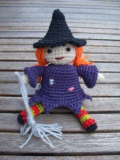 La bruja buena: http://tejiendoeneltejado.wordpress.com/2012/02/07/brujita/