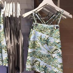 """PIXXY Fashion and Retail on Instagram: """"Endless summer: tropical print halter # @topshop #summertime #tropicalprint #top #halter #womens #fashion #topshop #Pixxy"""""""
