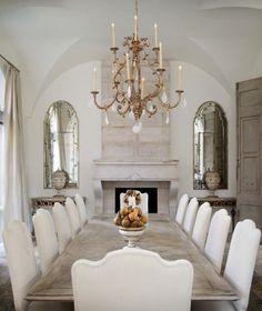 Neutral dining room | Elegant chandelier ideas