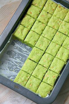matcha white chocolate chip shortbread.