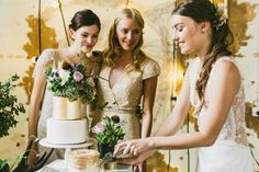 INDUSTRIAL WEDDING STYLING FROM HOPE & LACE | GOLD CAKE CONCRETE